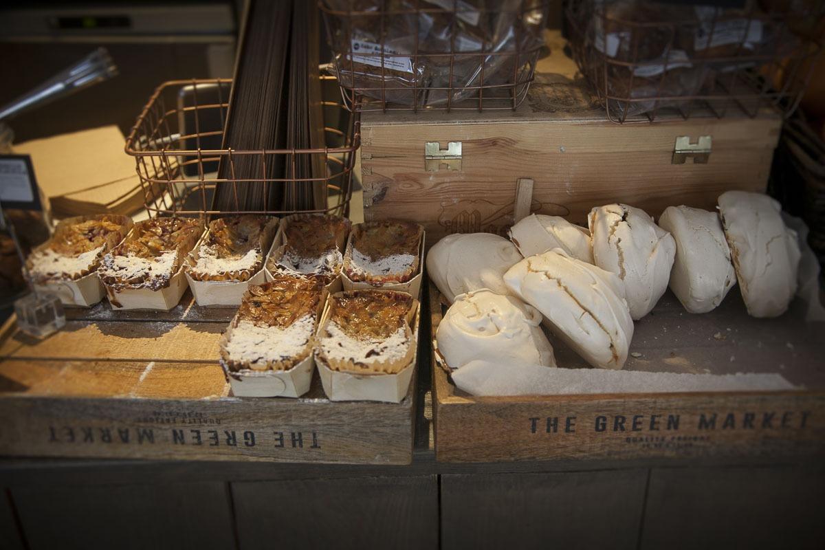 Kaikki leivonnaiset on leivottu paikan päällä