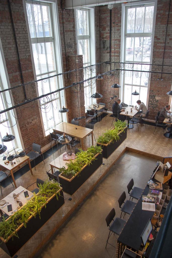 Ravintola juur on näyttävän näköinen paikka ülemisten kaupunginosassa tallinnassa