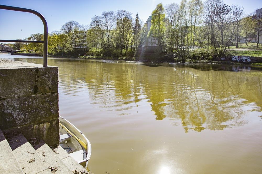 Portaat johtavat jokeen
