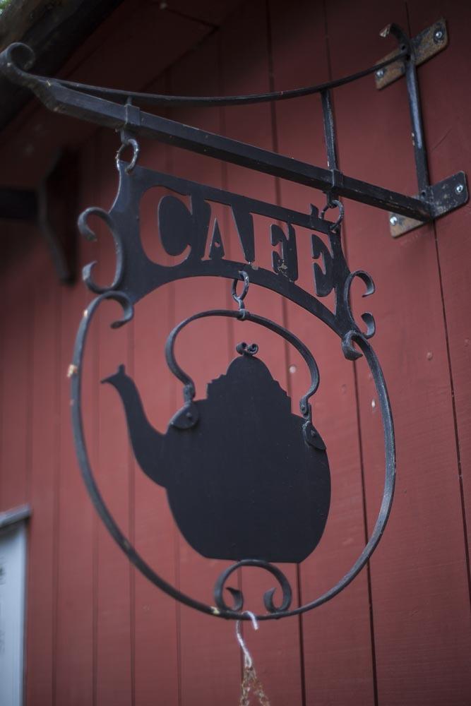 Cafe Qwenselin kyltti