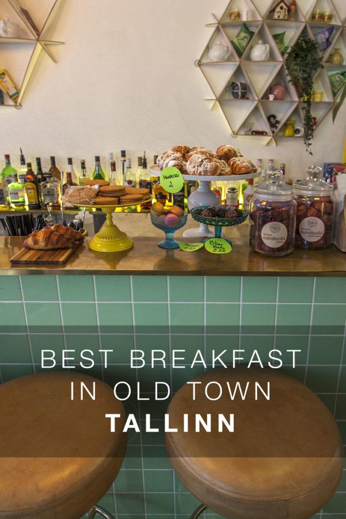 Kohvik August Tallinnan vanhassa kaupungissa.