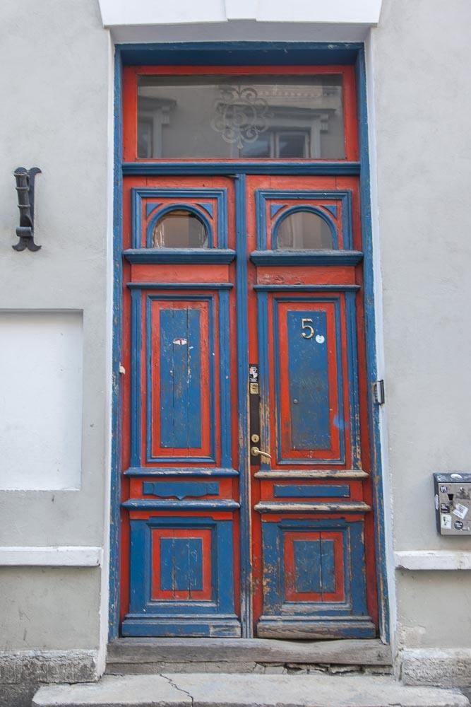NoKu-baarin ovi Pikk-kadulla