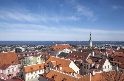 Tallinnan tuomiokirkko ja sen torni tarjoaa mahtavat maisemat yli vanhan kaupungin