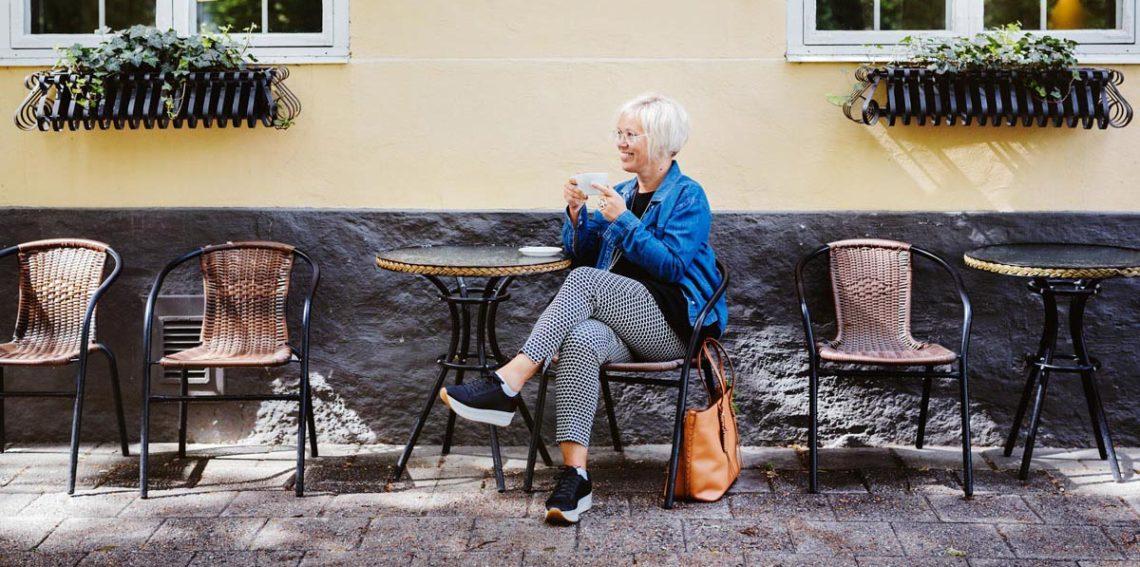 Henna Mikkilä on turkulainen airbnb-emäntä ja graafinen suunnittelija.