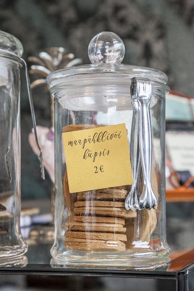 Ristikheina kohvik on kahvila ja lounasravintola