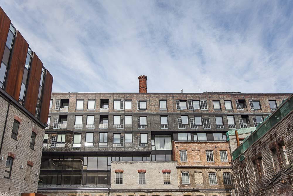 Rotermannin arkkitehtuuri yhdistää kiinnostavasti uutta ja vanhaa.
