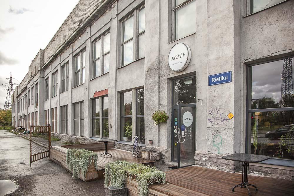 Ravintola Kopli vanhassa teollisuusrakennuksessa