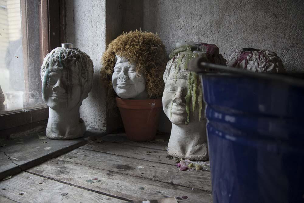 Muotokuvia Flo Kasearun talomuseon saunassa