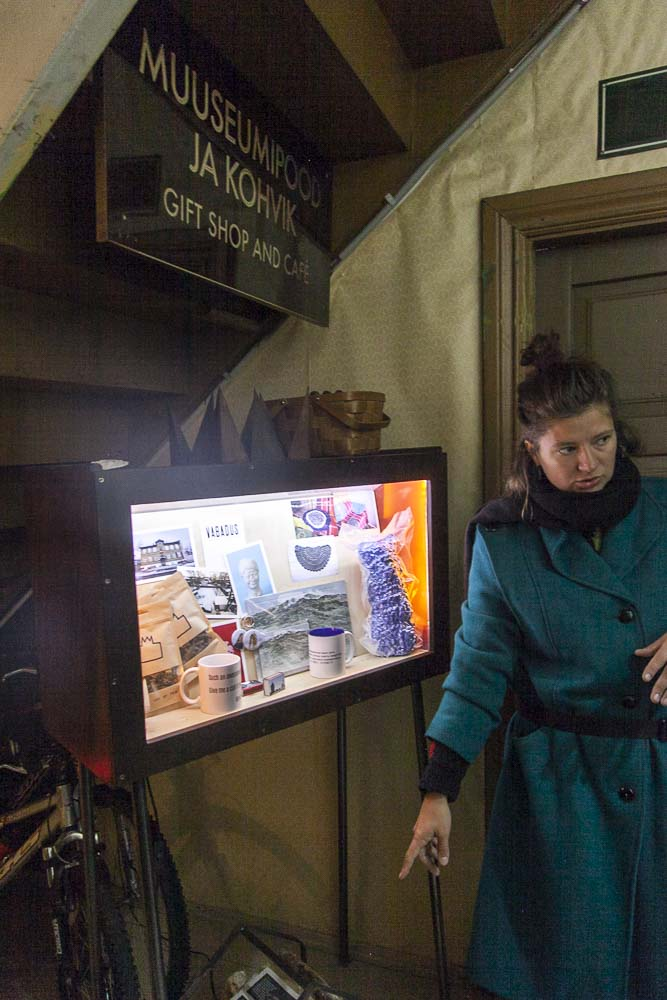 Huumoria ja totta: museossa on myös myymälä