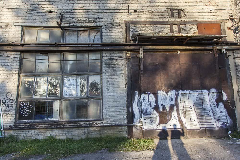 Telliskiven rikkinäiset talot