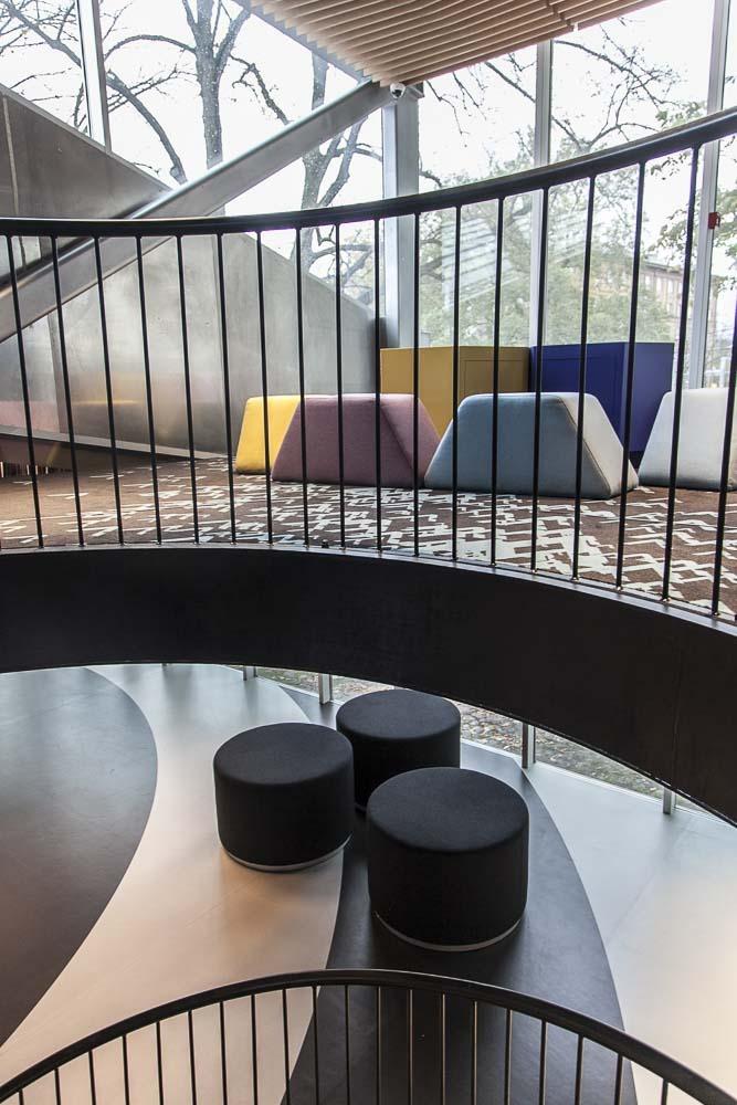 vabamu museon hieno arkkitehtuuri tukee tarinaa