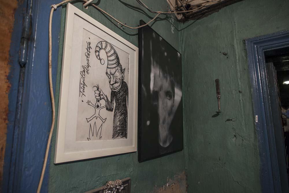 Taidetta metropol gallerian käytävällä