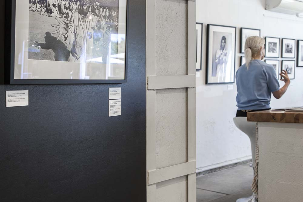 juhan kuus dokumenttivalokuvagalleria fotografiska tallinna -museon vieressä