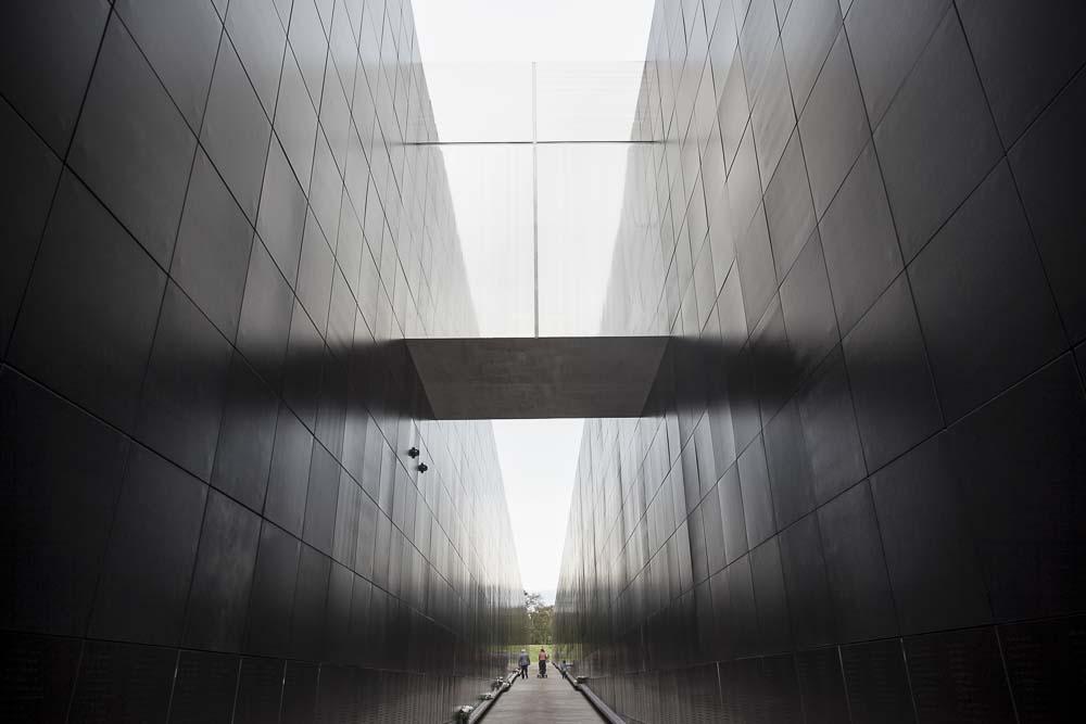 Jylhä kommunismin uhrien muistomerkki virossa