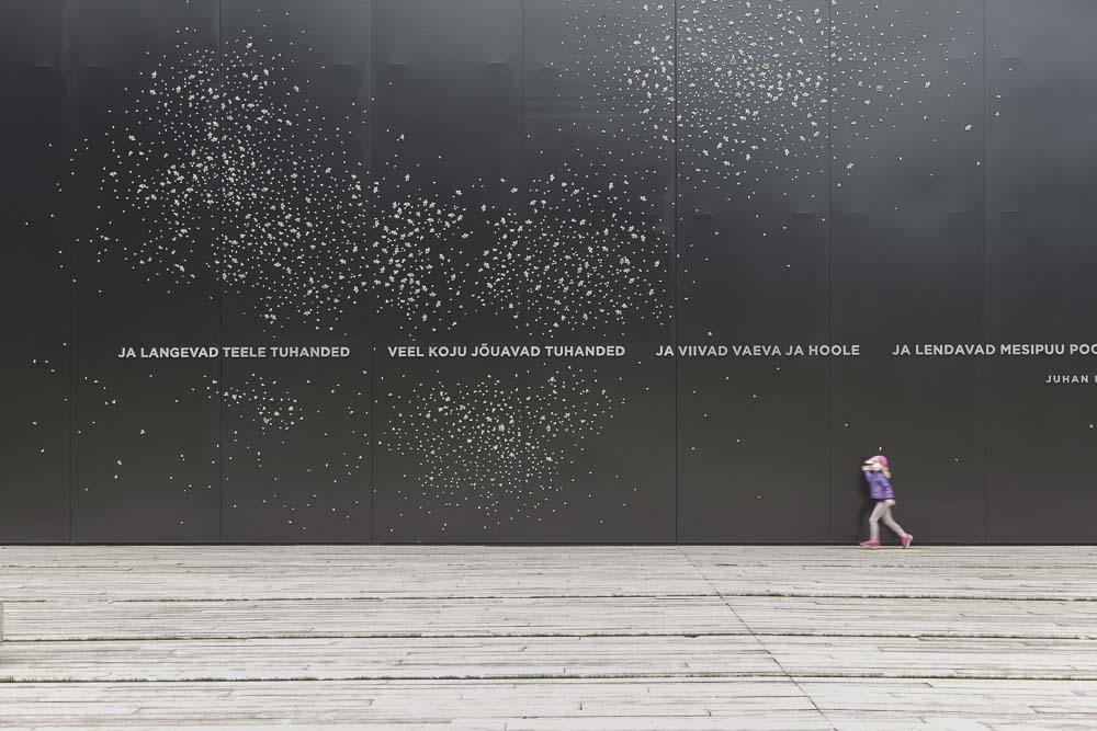 kommunismin uhrien muistomerkki tallinnan marjamäessä