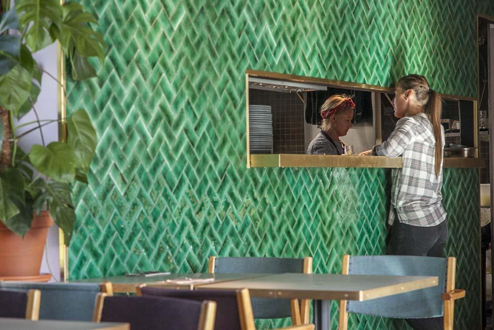 Ülo ravintola lähellä Balti Jaama toria