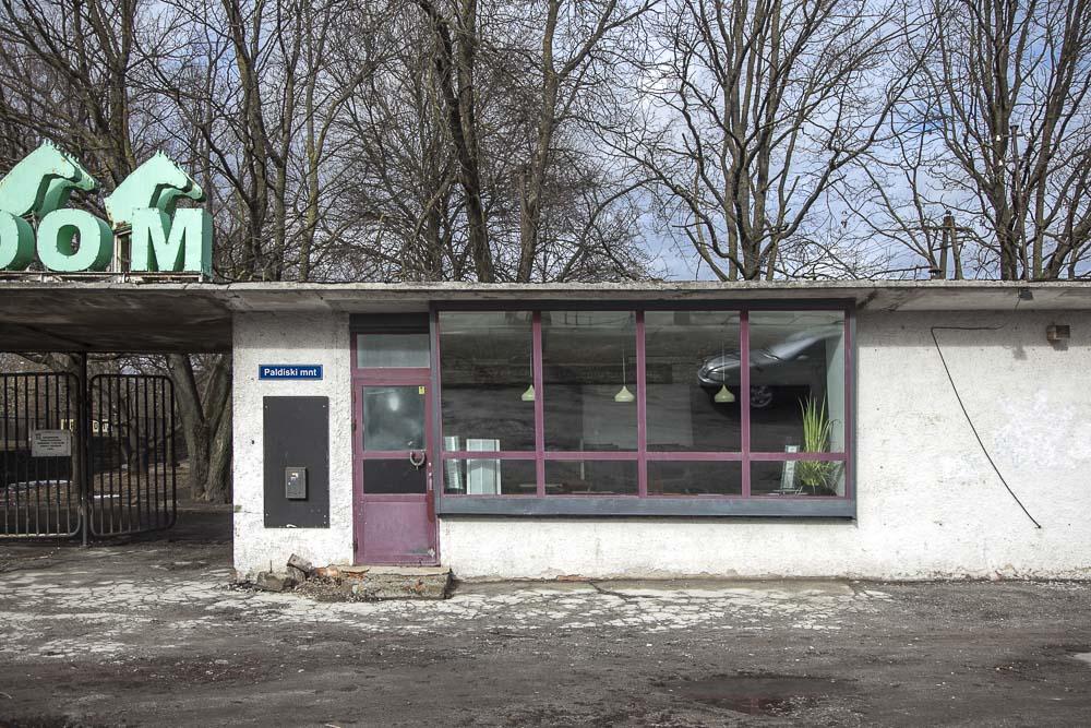 Hevosia ja mielisairaala Tallinnan Kristiinessä