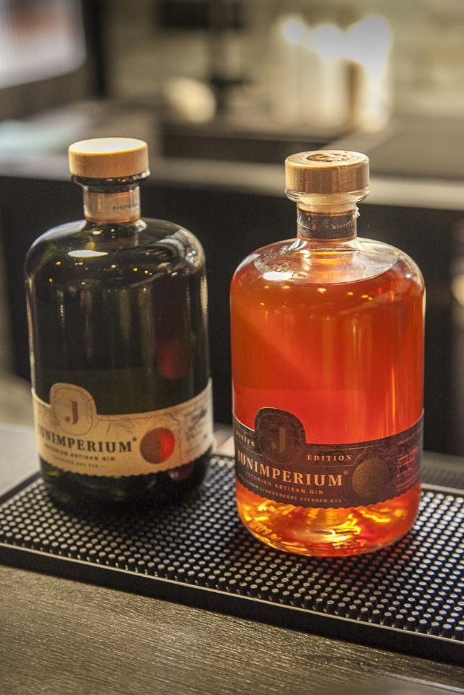 Junimperiumin dry london gin ja winter edition gin