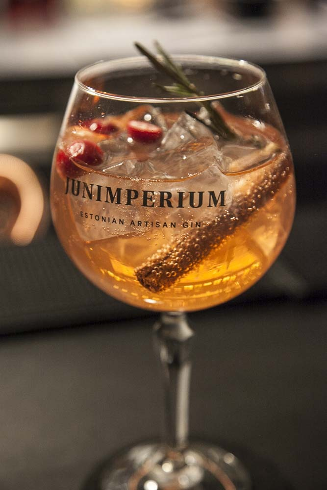 Junimperium Winter Edition gin tonic