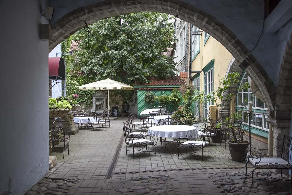 Tallinnan vanhassa kaupungissa ravintola Stenhusin terassi