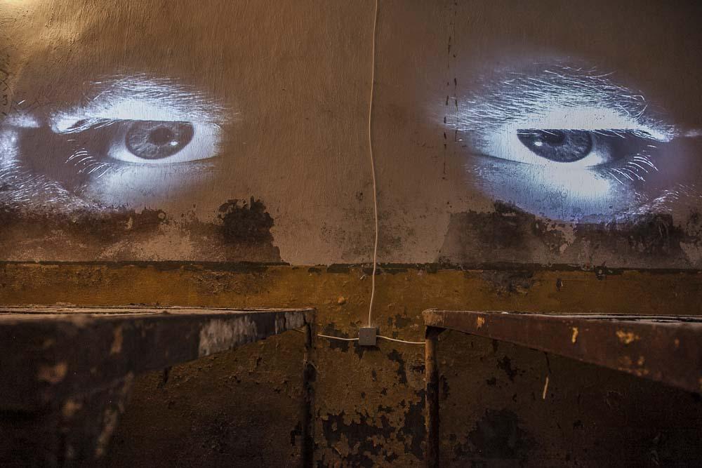 Silmät Patarein sellin seinällä