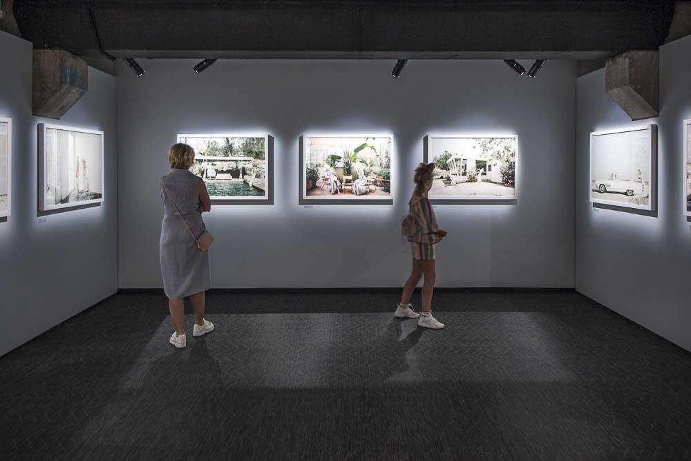 Valokuvataiteilija Anja Niemen näyttely Tallinnan fotografiskassa