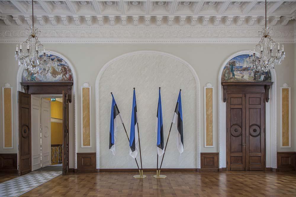 Viron parlamentin valkoinen sali