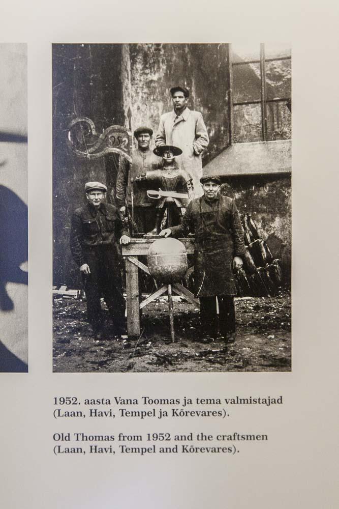 historiallinen kuva tallinnan raatihuoneen vintillä