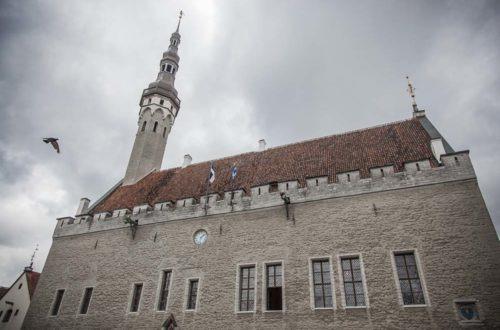 Tallinnan raatihuone ulkoa