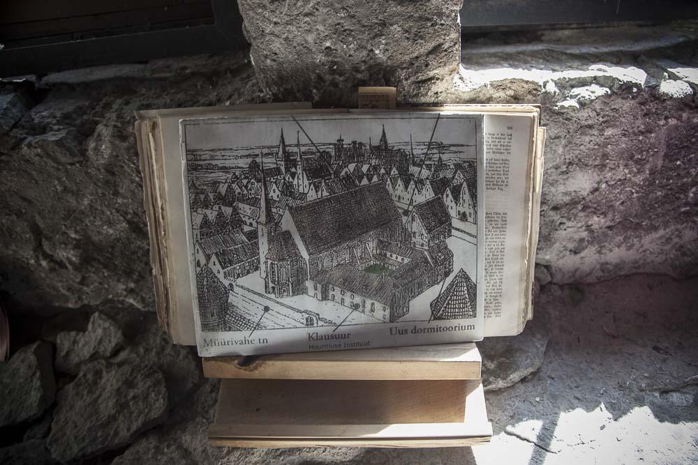 Luostarin klauruuri tallinnassa