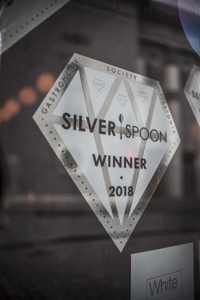 Silverspoon 2018 voittaja parrot minibar
