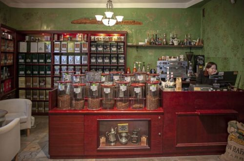 Pieni tee- ja kahvikauppa