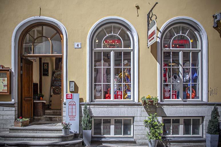 Little Italy eli Accademia boutique Tallinnassa