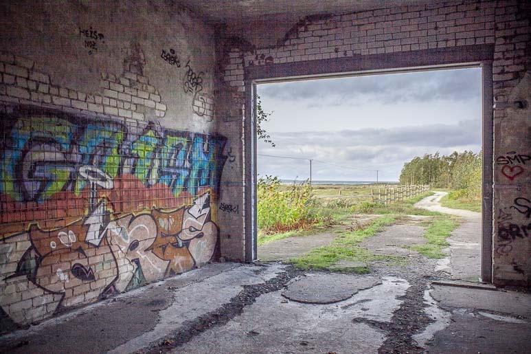 Paljassaare lintutornin graffiteja